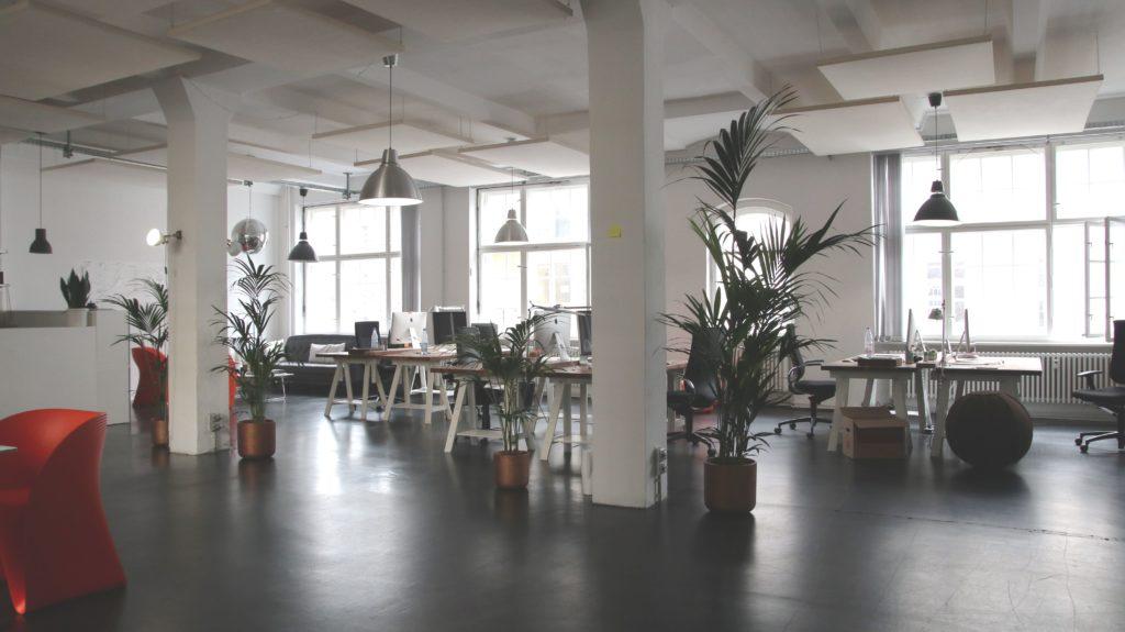 sensores movimiento luces oficina